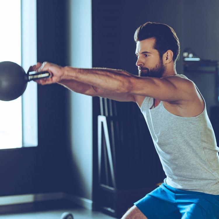 Mit der Kettlebell kann man seinen Body perfekt in Form bringen